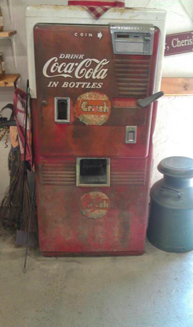 Masker Orchard Coca-Cola Vending Machine